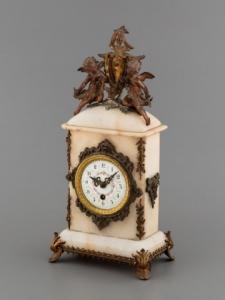 drága kincsek Alabástrom óra exkluzív gazdag luxus prémium presztízs
