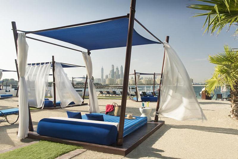 Baldahinos napágy Dubaiban. All inclusive nyaralásra vágysz? Irány a Rixos The Palm Dubai!