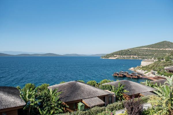 Csősz-Bogi-Boglárka-luxusfeleségek luxus ingatlan kilátás a tengerre