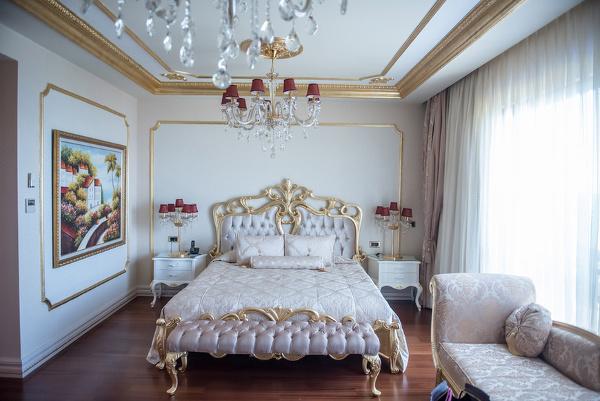 Csősz-Bogi-Boglárka-luxusfeleségek otthona