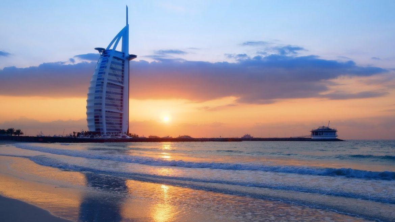 dubai-strandok-luxus-utazas-milliomos-gazdag-elet-sunset-beach