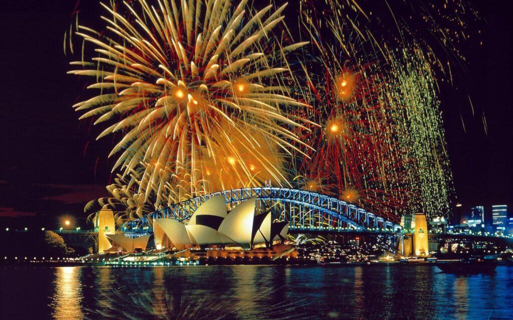Éjszakai újévi tűzijáték Sydneyben elképesztő látvány