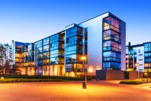 gazdagok-milliomosok-befeketési-területei-ingatlan