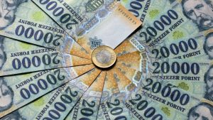 húszezresek - 100 millio forint kp zsebben gazdagok milliomosok élete - exkluzív prémium gazdag luxus presztizs