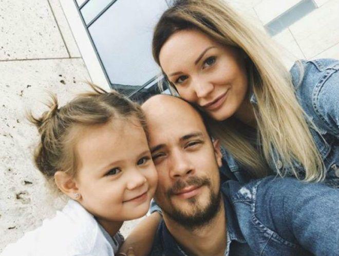 Smaltig Dalma a férjével és kislányával Feleségek Luxuskivitelben Viasat3 exkluzív prémium gazdag luxus presztízs