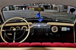 restauralt-Cadillac-Limited-1947-Series-62-kormany-mogott-3