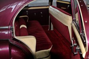 restauralt-Cadillac-Limited-1947-Series-62-hatso-ülés