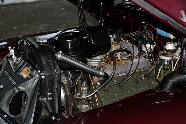 restauralt Cadillac Limited 1947 Series 62 motor balrol