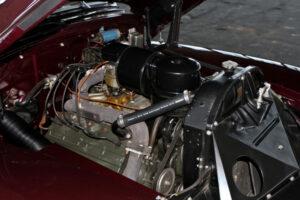 restauralt-Cadillac-Limited-1947-Series-62-motor-jobbrol