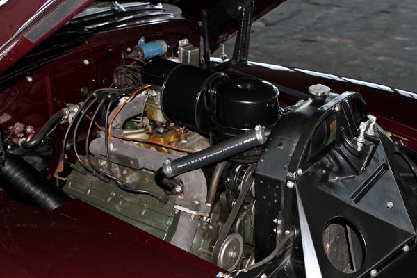 restauralt Cadillac Limited 1947 Series 62 motor jobbrol
