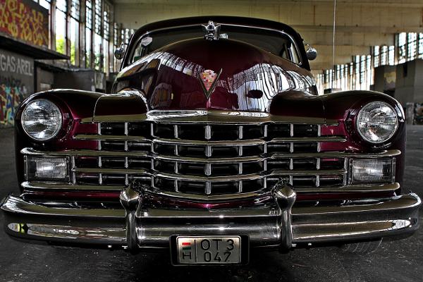 restauralt-Cadillac-Limited-1947-Series-62-front-view