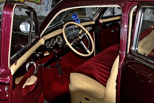 restauralt-Cadillac-Limited-1947-Series-62-kormany-mogott